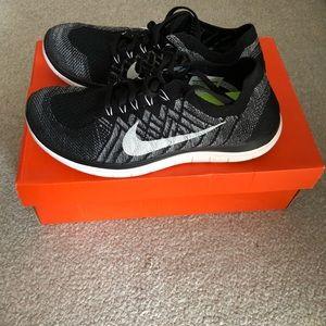 Nike Free 4.0 Flyknit - Oreo